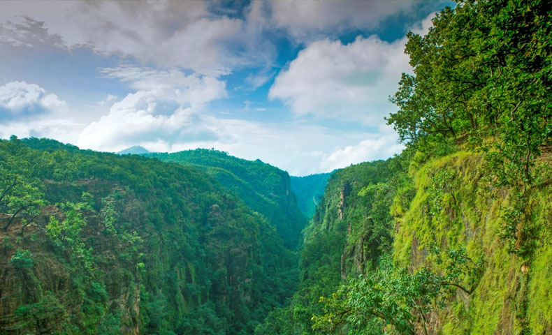Pachmarhi Tour Packages